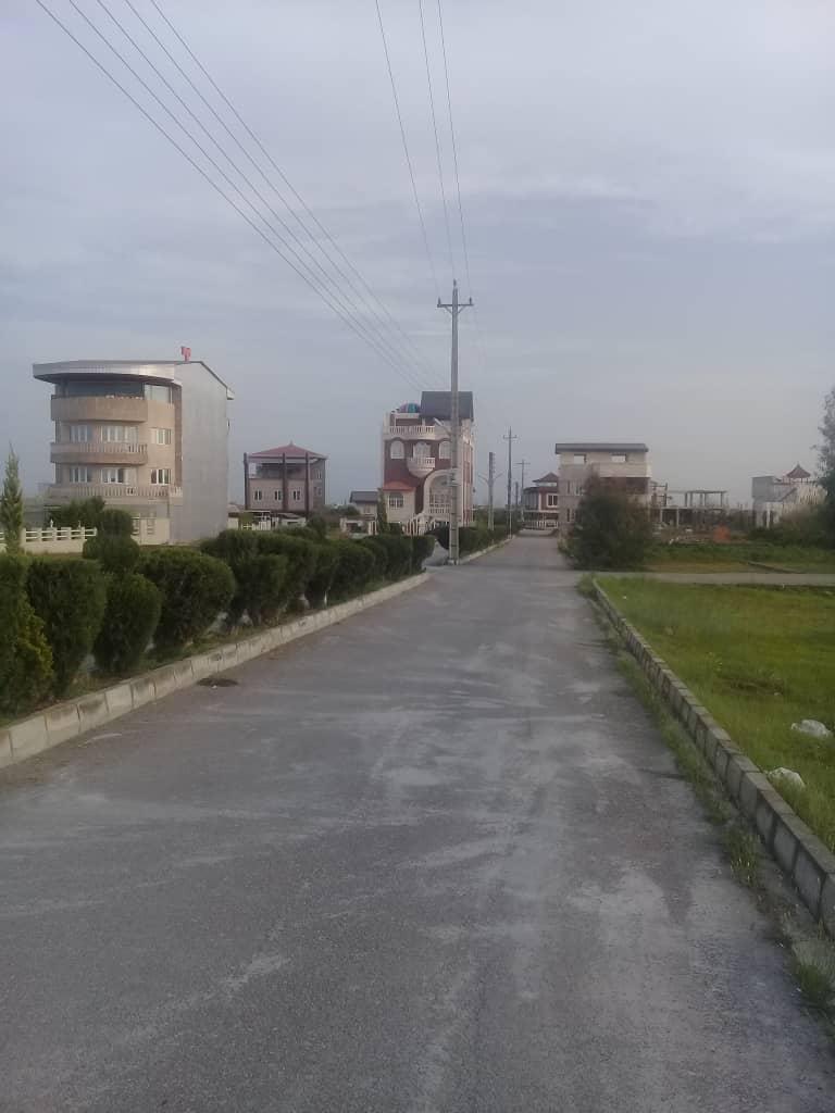 فروش زمین ۳۰۰ متری جاده پلاژ داخل شهرک ساریا